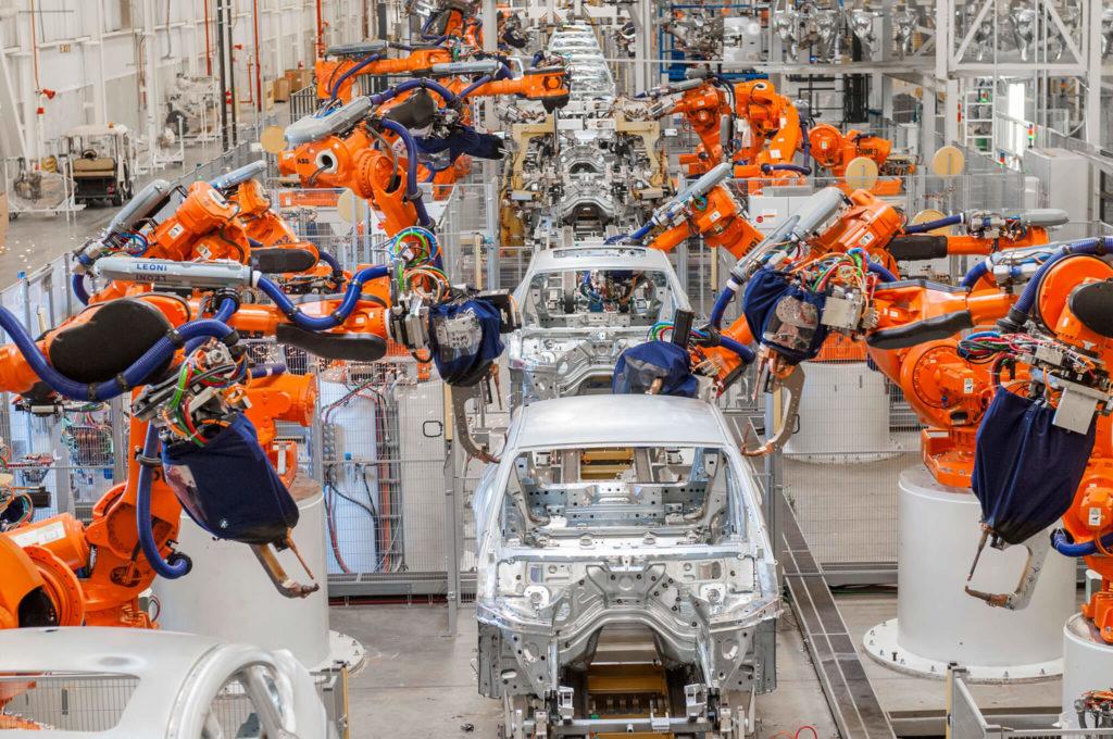 Fabrik som som tillverkar bilar